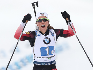 Тириль Экхофф победила в спринте на этапе Кубка мира