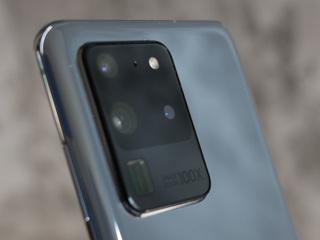 Samsung будут судить за треснувшее стекло камеры Galaxy S20