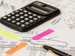 Правительство обсуждает повышение налогов и акцизов