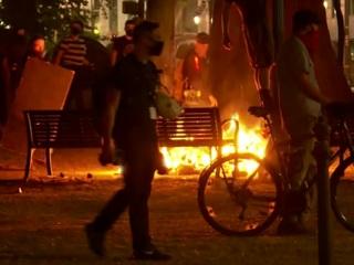 """Новости на """"России 24"""". Сиэтл и Портленд требуют перемен: полиция назвала протесты мятежом"""