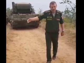 Волгоградский фермер пожаловался на военных, которые давят его поля бронетехникой