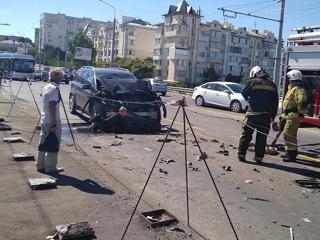 """Шесть детей и восемь взрослых пострадали из-за пьяного водителя """"Мерседеса"""" в Севастополе"""