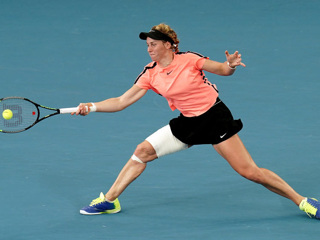 Самсонова проиграла 17-летней Гауфф на турнире в США