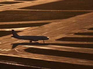 Самолет, летевший из Москвы в Турцию, экстренно сел в Сочи