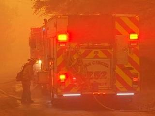 Из зоны лесных пожаров в Калифорнии эвакуированы 120 тысяч жителей