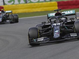 Хэмилтон взял поул-позицию Гран-при Тосканы, Квят – 12-й