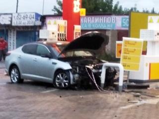 В Костроме пьяный водитель протаранил заправку