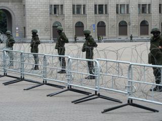 На крыше Дворца независимости в Минске появились люди