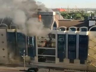 Отель в Ростове-на-Дону тушили почти сто человек