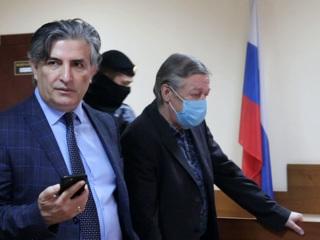 Минюст хочет лишить Пашаева статуса адвоката, а Добровинского привлечь к ответственности