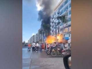 Момент мощного взрыва в китайском Чжухае попал на видео