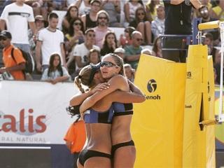 Пляжный волейбол. Макрогузова и Холомина вышли в полуфинал чемпионата Европы