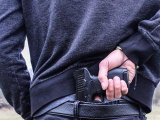 В баре Симферополя турист выстрелил в лицо посетителю