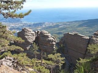 Спасатели нашли группу туристов, заблудившихся в горах Крыма