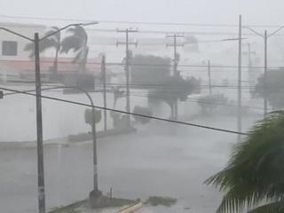 """В Мексике ураган """"Дельта"""" оставил без света 400 тысяч человек"""