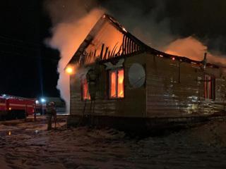 В Якутии в частном доме сгорели женщина и четверо детей