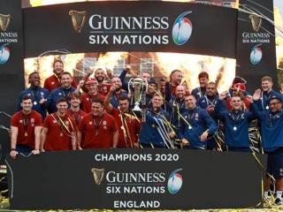 Регбисты сборной Англии выиграли Кубок шести наций