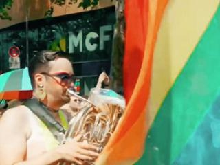 Еврокомиссия потребовала от Венгрии отменить закон против ЛГБТ