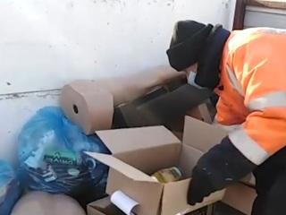 Тело новорожденного нашли в мусорном баке в Чите