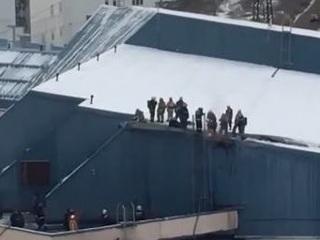 Из-за пожара в спорткомплексе Олимпия в Перми эвакуировали 70 человек