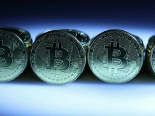 Россиянам с 1 января разрешат операции с криптовалютами