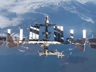 На МКС начали сверлить трещину