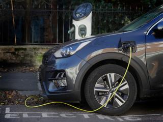 Британия инвестировала $424 млн в сверхбыстрые зарядки для электромобилей