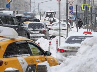 Московские коммунальщики зачистят город от снега до 18 февраля
