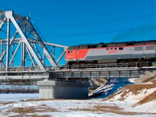 """Новости на """"России 24"""". В Астраханской области открыли новый железнодорожный мост через реку Ахтубу"""