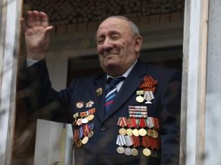 Путин поздравил ветеранов с наступающим Днем Победы