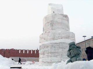 На тульской набережной возводят снеговика-гиганта