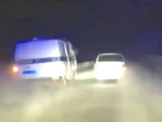 Житель города Зима ранил таксиста и устроил гонки с полицейскими