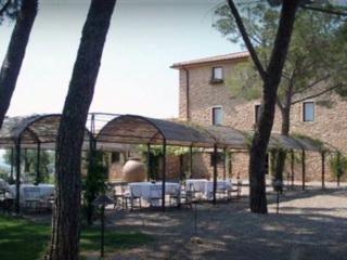 СК нашел в Италии виллы Абызова с виноградниками