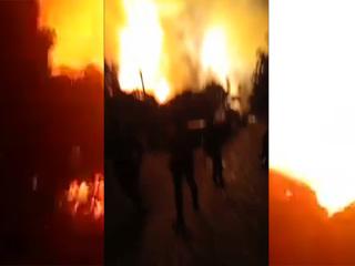 Мощный взрыв прогремел на НПЗ в Индонезии