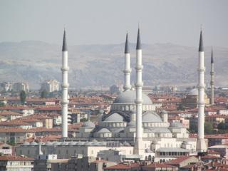 Анкара заявила об интересе Москвы и Пекина к Стамбулу