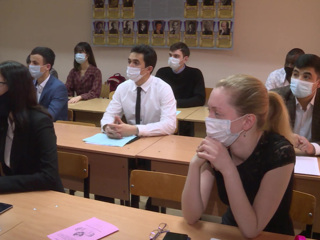Новости на России 24. Во Владимире иностранных студентов прививают от коронавируса