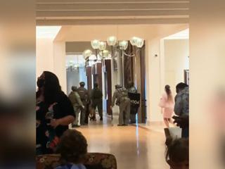 Военнослужащий США, забаррикадировавшийся в отеле, покончил с собой