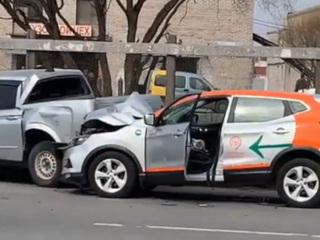 ЧП. Питерский рэпер попал в аварию на арендованном автомобиле