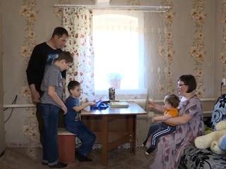 Поддержка семей с детьми: какие выплаты положены родителям в 2021 году