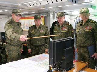 Российским военным повысят оклады