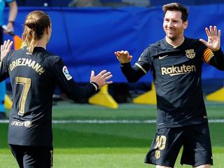 """""""Барселона"""" продолжает борьбу за победу в Ла Лиге"""