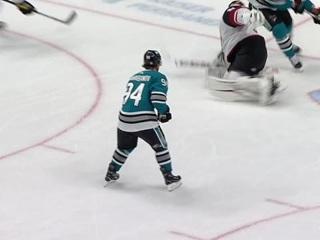 """Барабанов помог """"Сан-Хосе"""" прервать серию поражений, забив впервые в НХЛ"""