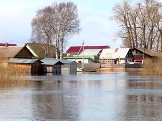 Вести. В Вологодской области затопило дорогу к одному из жилых массивов