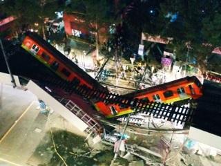 Число жертв обрушения метромоста в Мехико увеличилось до 20