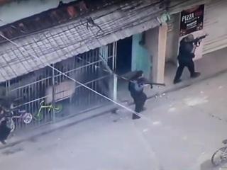 ЧП. Бой в фавеле: жертвами перестрелки в Рио стали 23 человека