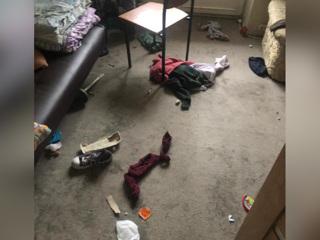 Годовалый младенец выпал из окна 6 этажа на западе Москвы и выжил