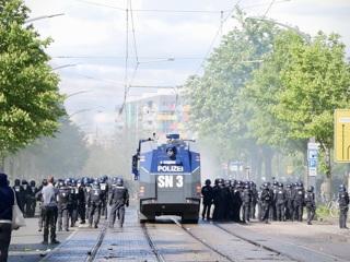 Беспорядки в Дрездене: футбольные фанаты сцепились с полицией