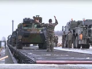 Жители эстонского города устроили драку с солдатами НАТО из-за женщины