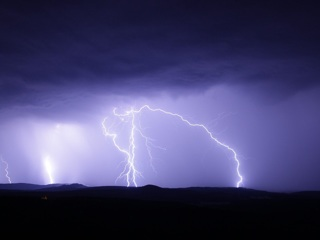 Экстренное предупреждение МЧС: на Южном Урале ожидаются грозы и жара