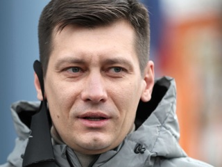 У Дмитрия Гудкова и его соратников проходит обыск